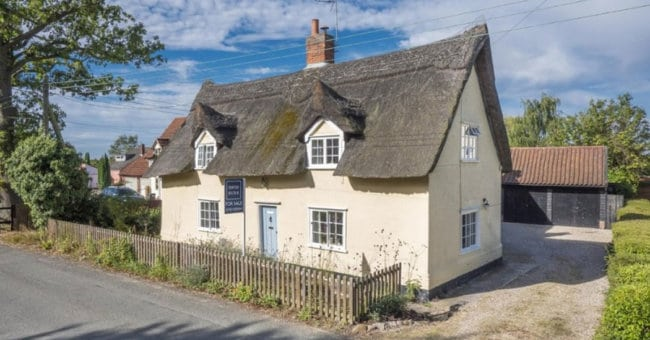 What makes a chocolate box cottage?
