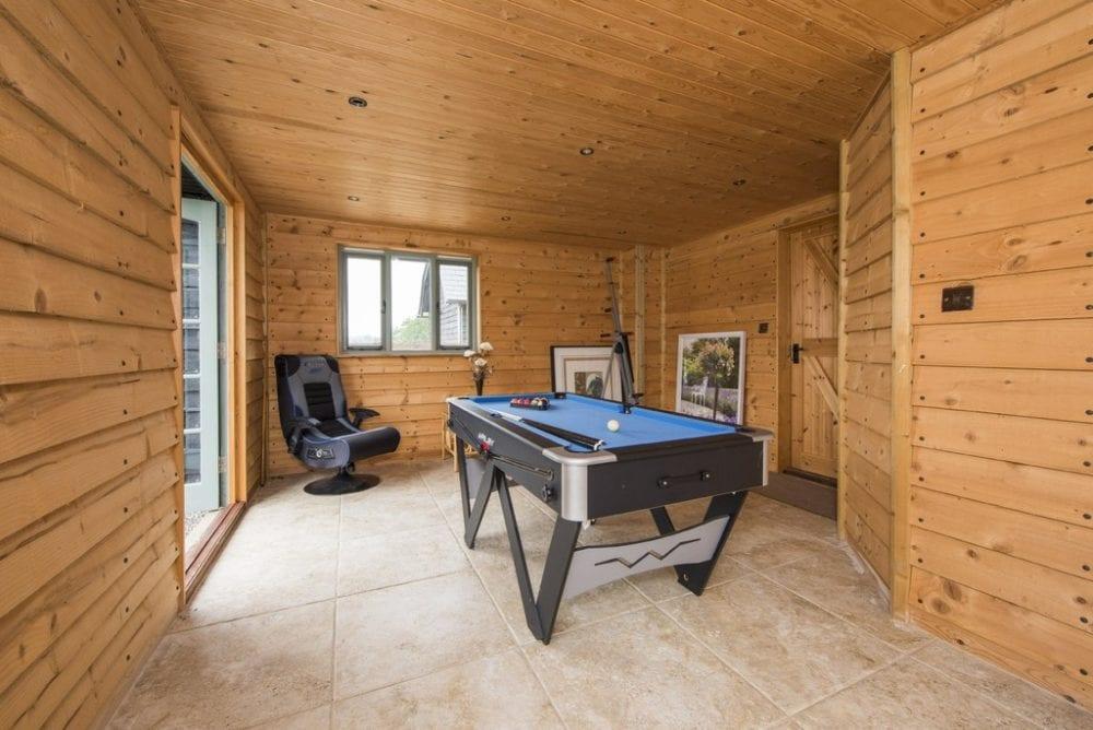 Games Room / Summerhouse in Lindsey, Ipswich